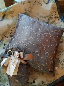 PILLOW-COVER 02